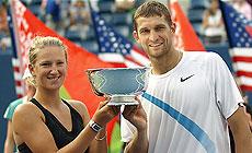 Белорусские теннисисты Виктория Азаренко и Максим Мирный на Олимпиаде-2012 в Лондоне