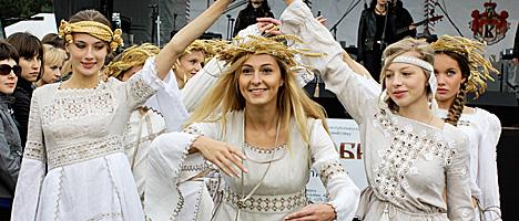 Belarus events calendar september 2013 press releases belarus kamyanitsa folk fest publicscrutiny Gallery
