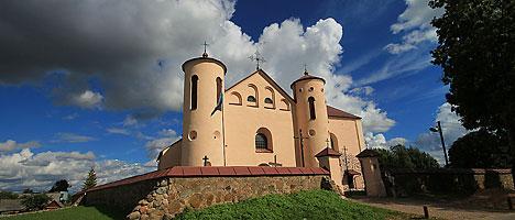 Костел святого Иоанна Крестителя в деревне Камаи