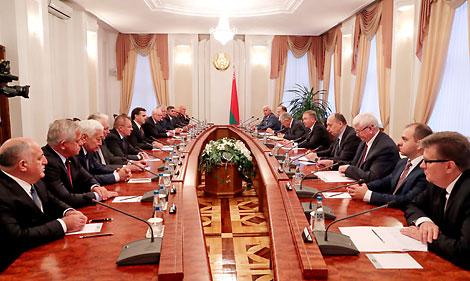 Кобяков: Беларусь заинтересована в конструктивном диалоге с международным бизнес-сообществом