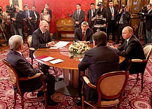 Александр Лукашенко: Беларусь и Россия не могут спокойно взирать на последние события в Украине