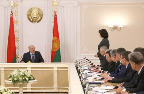 Lukashenko demands real improvement of doing business conditions in Belarus