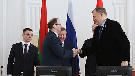 Belarus, St Petersburg sign 2020 program of cooperation in