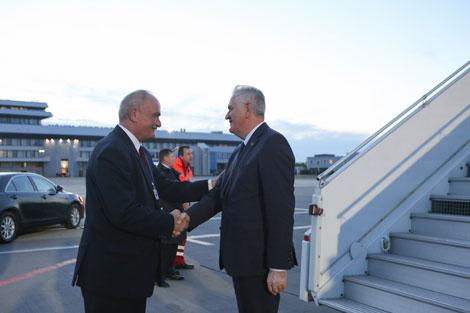 Serbia president arrives in Belarus on working visit
