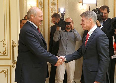 Lukashenko awards Governor of Russia's Sakhalin Oblast Oleg Kozhemyako