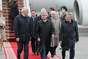 Serzh Sargsyan arrives in Belarus
