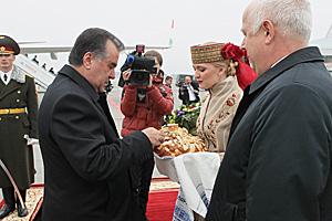 Emomali Rahmon arrives in Belarus