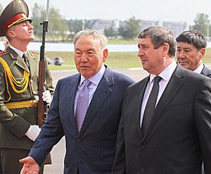 Nursultan Nazarbayev arrives in Belarus