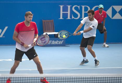 Максим Мирный и Трет Хьюи выиграли теннисный турнир в Акапулько