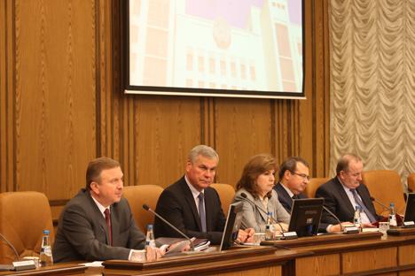 Кобяков потребовал принятия оперативных и системных мер для восстановления экономического роста