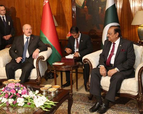 Александр Лукашенко на встрече с Президентом Исламской Республики Пакистан Мамнуном Хусейном