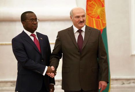 Александр Лукашенко принял верительные грамоты Чрезвычайного и Полномочного Посла Буркина-Фасо в Беларуси Антуана Сомда