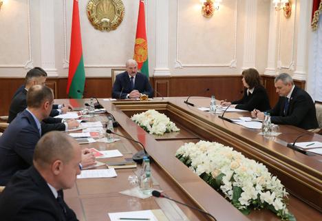 Лукашенко потребовал выстроить единую эффективную систему подготовки резерва для национальной сборной по хоккею