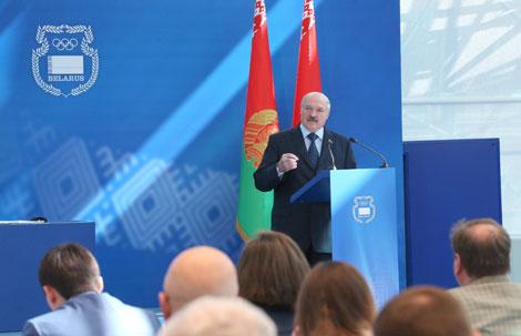 Лукашенко: Борьбу за господдержку в спорте надо вести не на бумаге, а на стадионе