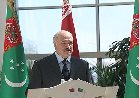 Лукашенко: Посольство Туркменистана в Беларуси должно стать центром двустороннего сотрудничества