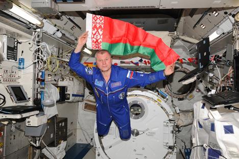 Олег Новицкий из космоса поздравил Беларусь с Новым годом