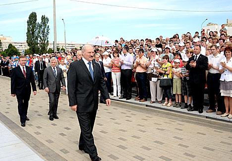 """Лукашенко на церемонии закладки памятной капсулы мемориала """"Тростенец"""""""