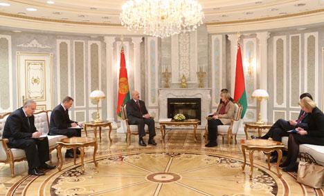 Президент Беларуси Александр Лукашенко на встрече c Хельгой Марией Шмид