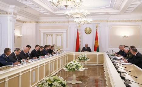 Лукашенко требует обеспечить соблюдение национальных интересов Беларуси при принятии Таможенного кодекса ЕАЭС