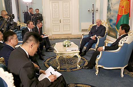 Лукашенко: Белорусско-китайские договоренности на высшем уровне будут реализованы в срок