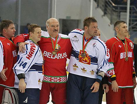 Победителем XII Рождественского турнира по хоккею стала команда Президента Беларуси