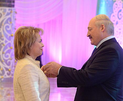Орденом Почета награждена министр труда и соцзащиты Марианна Щеткина
