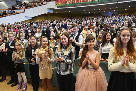"""Новогодний благотворительный праздник в рамках акции """"Наши дети"""""""