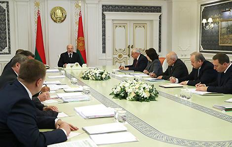 Cовещание Президента Беларуси Александра Лукашенко с руководством экономического блока страны