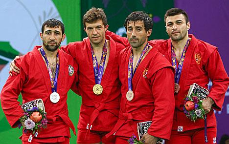 Белорусский самбист Степан Попов завоевал золото Евроигр в весе до 74 кг