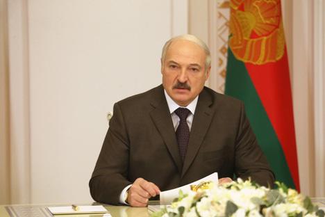 Лукашенко требует от контролирующих органов действовать аккуратно и справедливо