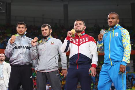 Белорусский спортсмен Джавид Гамзатов завоевал бронзу Олимпиады в греко-римской борьбе