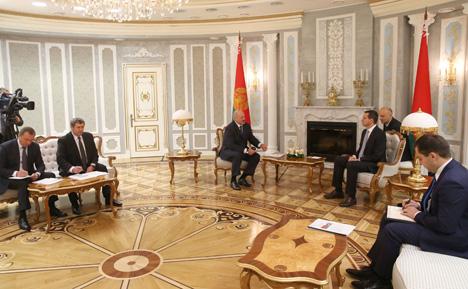 Лукашенко предлагает поднять планку торгово-экономического сотрудничества с Польшей