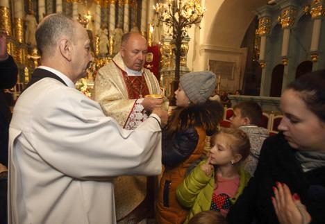 Католики сегодня отмечают один из важнейших христианских праздников - Рождество Христово