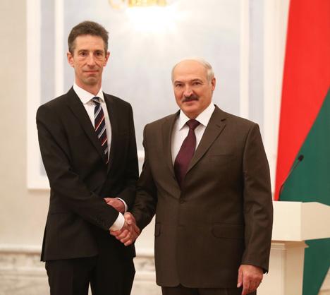 Александр Лукашенко принял верительные грамоты Чрезвычайного и Полномочного Посла Франции в Беларуси Дидье Канесса