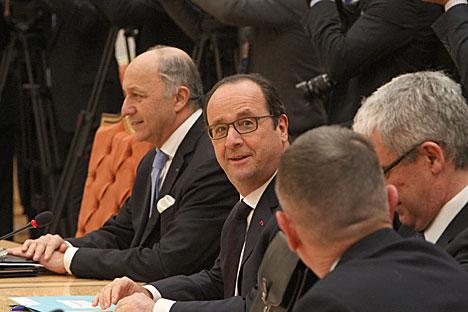 """Переговоры """"нормандской четверки"""" продолжаются в расширенном формате:Франсуа Олланд"""