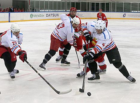 Команда Президента обыграла гродненчан в матче Республиканских соревнований среди любителей хоккея