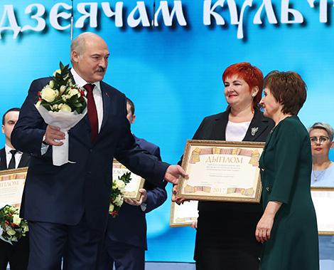 В числе лауреатов спецпремии - коллектив Октябрьского районного дома ремесел