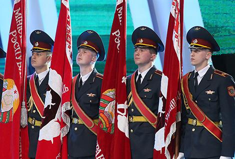 Лукашенко: Милиция обеспечивает должный уровень общественной безопасности в Беларуси