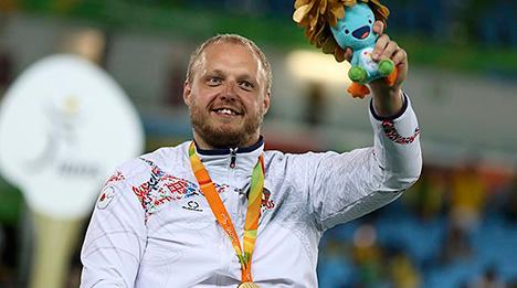 Белорус Андрей Праневич завоевал золото в соревнованиях по фехтованию среди шпажистов-колясочников