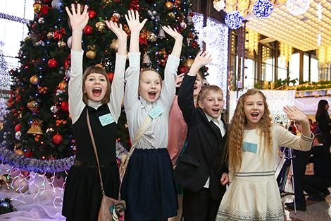 """Новогодний благотворительный праздник для детей во время акции """"Наши дети"""""""