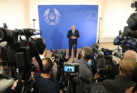 Лукашенко: Беларусь проводит выборы согласно Конституции и законодательству