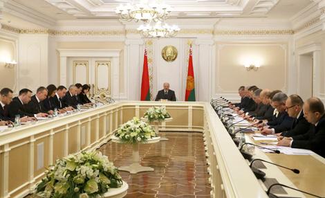 Лукашенко: В госаппарате необходимо непрерывное кадровое обновление