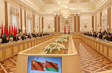 Встреча Александра Лукашенко с Председателем Китайской Народной Республики Си Цзиньпином в расширенном составе