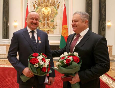 Помощник Президента Беларуси Николай Корбут и председатель Миноблисполкома Семен Шапиро
