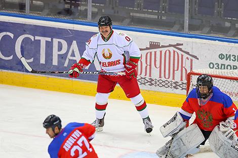 Хоккейная команда Беларуси победила Россию в финале Рождественского турнира