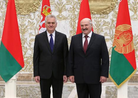 Президент Беларуси Александр Лукашенко на встрече со своим сербским коллегой Томиславом Николичем