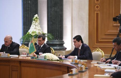 Лукашенко: Для Беларуси Туркменистан - один из важнейших стратегических партнеров в Центральной Азии