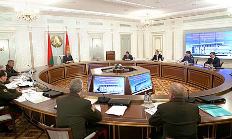 Лукашенко поручил изучить эффективность защиты экономических интересов Беларуси на границе