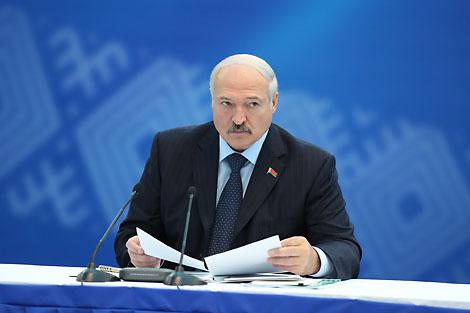 Президент Беларуси Александр Лукашенко по итогам расширенного заседания Исполкома НОК Беларуси по вопросам проведения II Европейских игр в 2019 году акцентировал внимание на ряде важных моментов