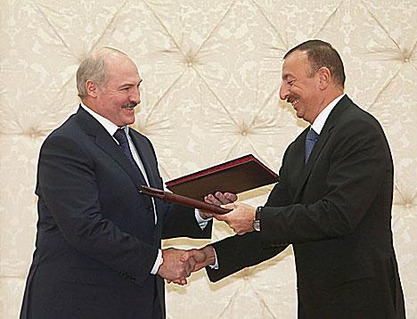 Президенты Беларуси и Азербайджана Александр Лукашенко и Ильхам Алиев